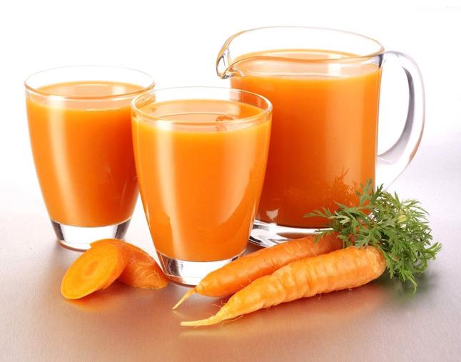 Bugs Bunny : jus de fruits frais à la carotte