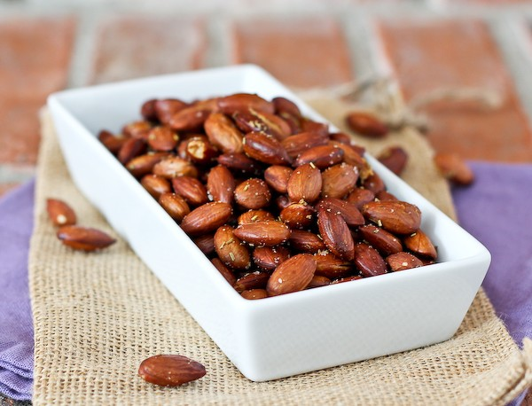 olive-oil-rosemary-roasted-almonds-600-2-of-3-600x458