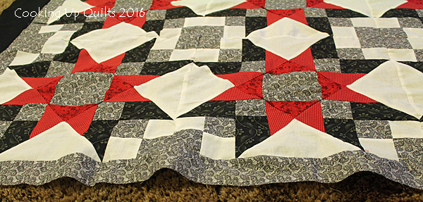 Wavy Border on Quilt