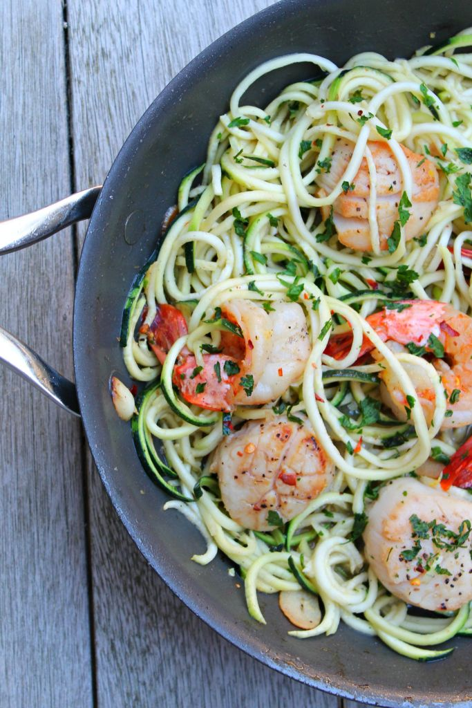 Shrimp and Scallop Scampi with Zucchini Noodles 02