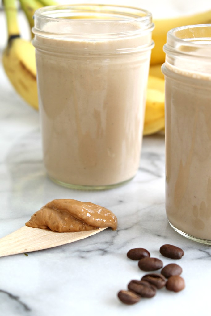 Banana Coffee Cashew Smoothie 01