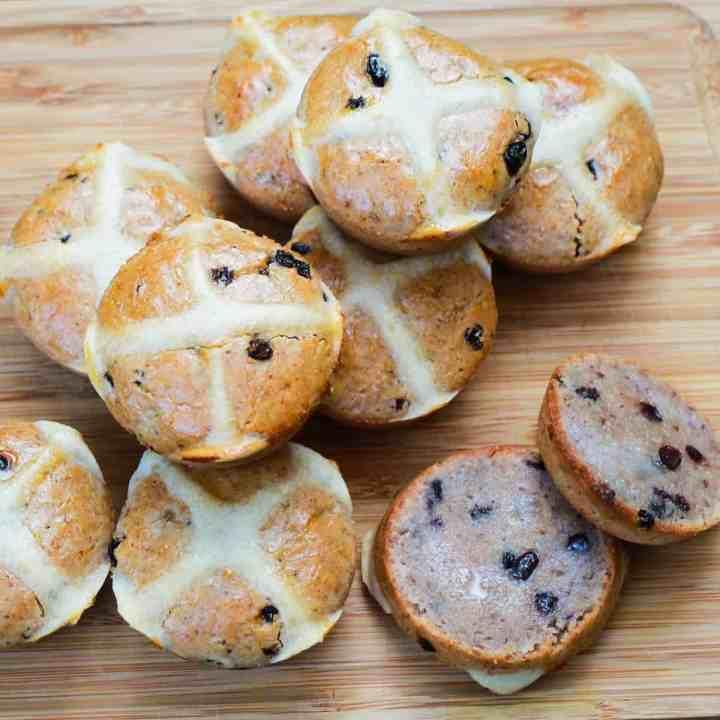 hot cross buns - vegan and gluten-free