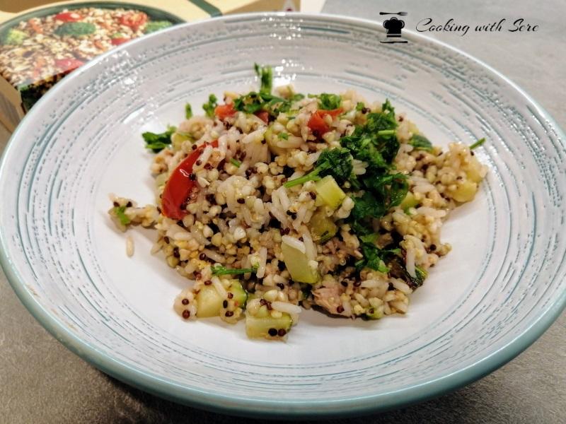 cereali e quinoa con tonno e zucchine