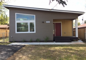 4104 Harrison Street, Anchorage, 99503, 2 Bedrooms Bedrooms, ,1 BathroomBathrooms,Duplex,For Rent,Harrison Street,1070