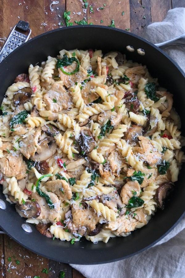Creamy Chicken and Mushroom Pasta