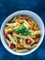 Simple Tomato Pesto Pasta a great lunch box meal