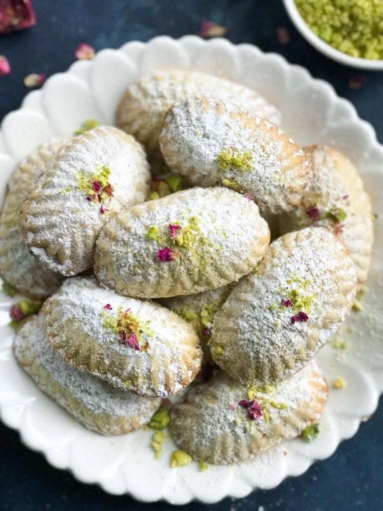 Pistashio Maamoul Cookies ( معمول بالفستق )