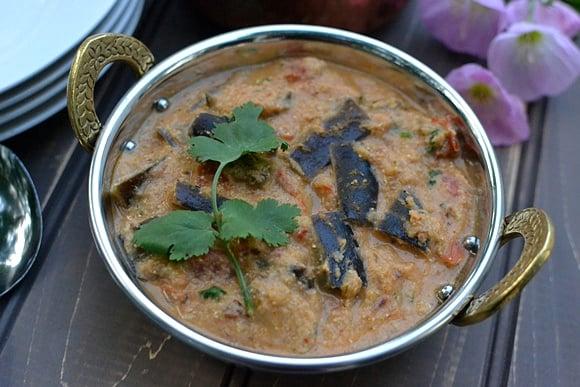 Eggplant-Tomato Kurma (Vankaya-Tomato Kurma)