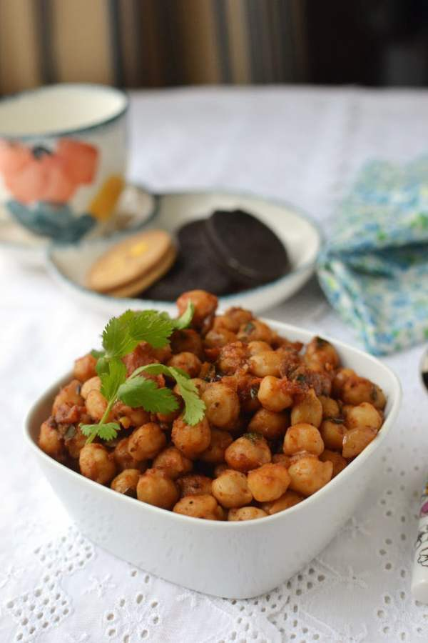 Kelli Chana (Spicy Chickpea snack)