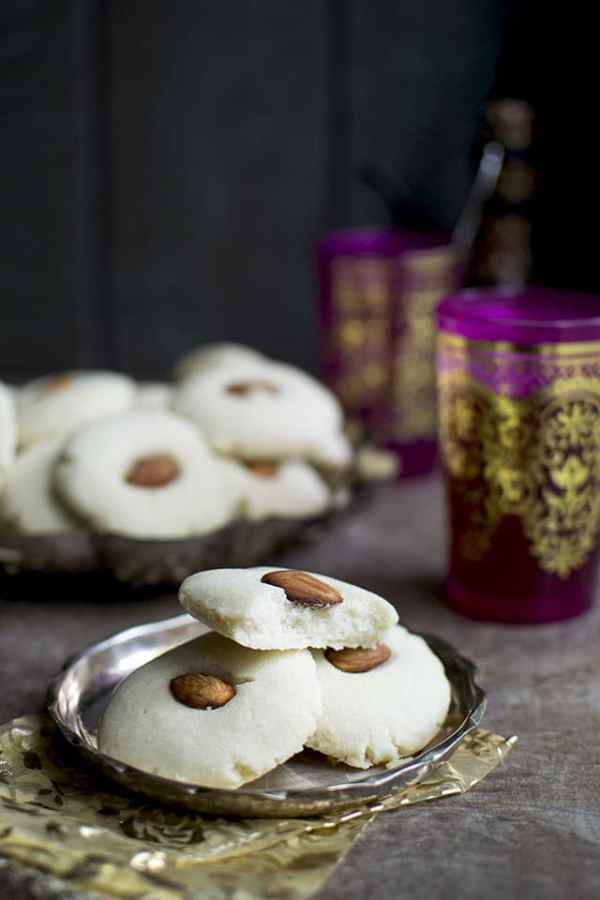 Egyptian Ghorayebah or Ghreybeh Cookies