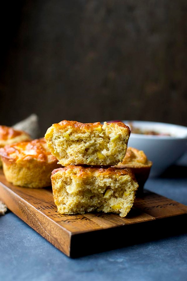 Cornbread Muffins with Chili and Cheese