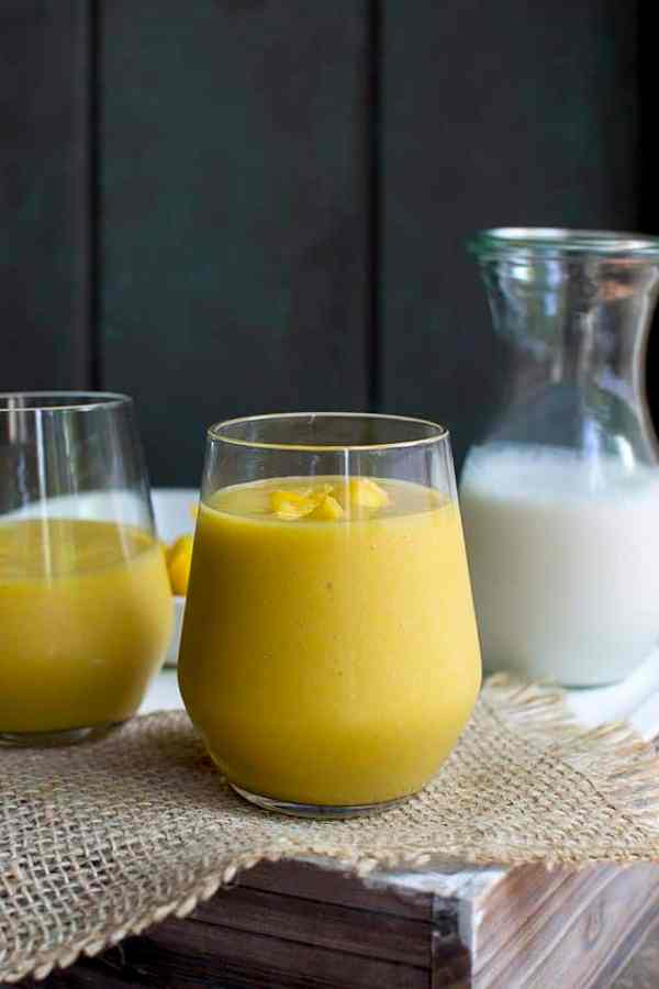 Batido (Tropical Mango & Passionfruit Smoothie)