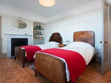 quarter-masters-house-north-berwick-bedroom
