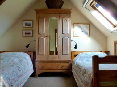 seafield-cottages-bedroom-two