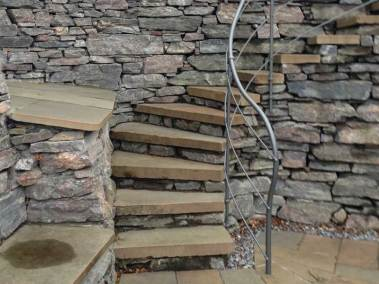 stonehouses-treetop-house-staircase