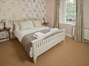 telford-house-east-caledonian-canal-fort-william-double-bedroom