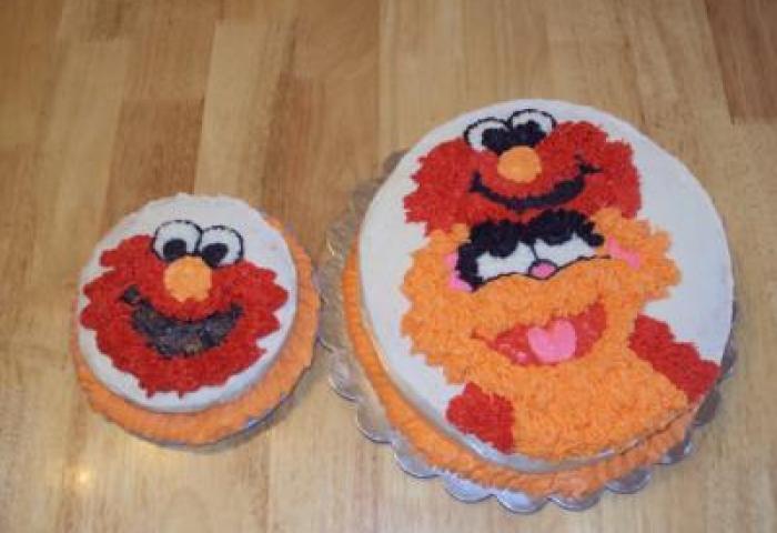Elmo And Zoe With Elmo Smash Cake