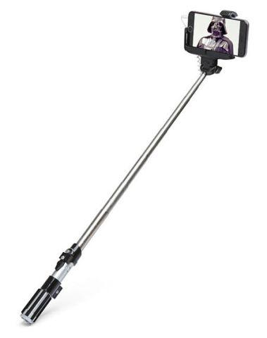 lightsaber-selfie