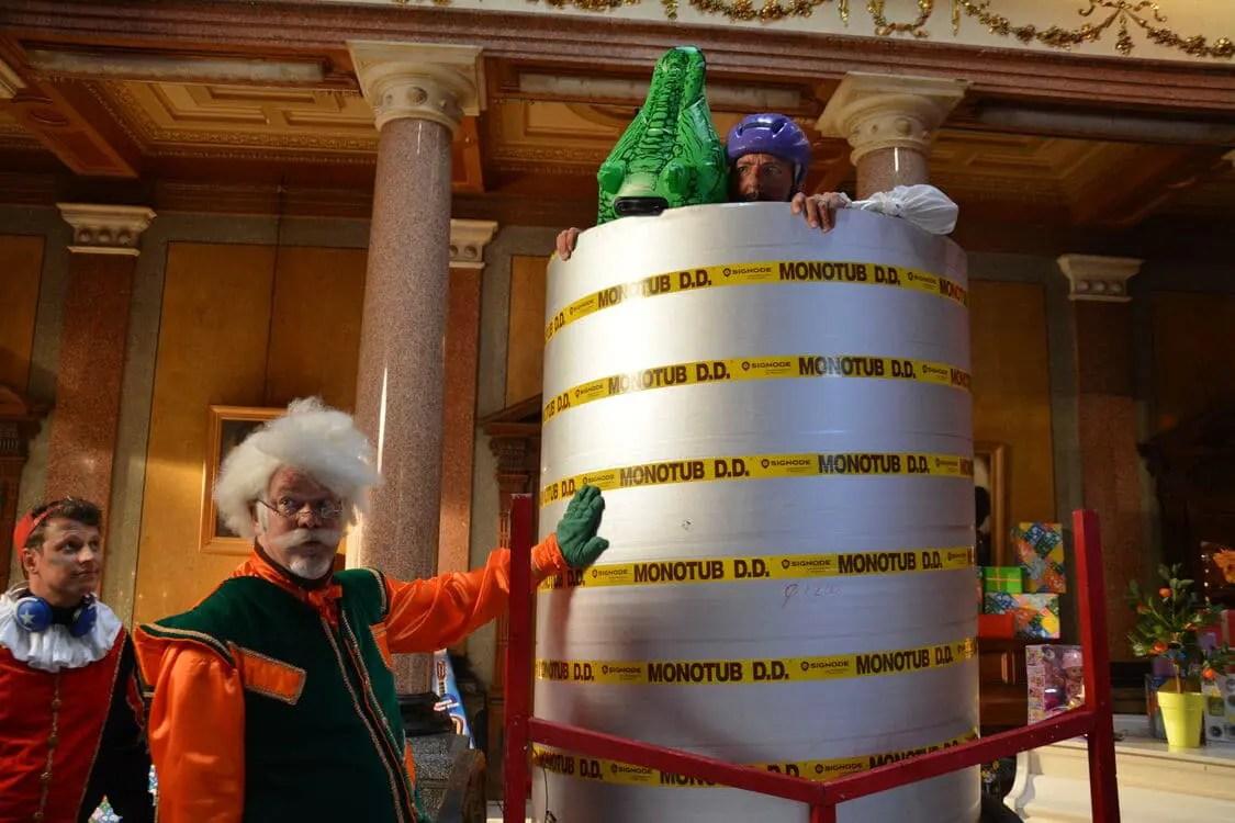 De Grote Sinterklaasfilm Trammelant in Spanje st 14