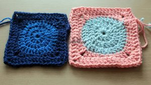 How to crochet a square around a circle