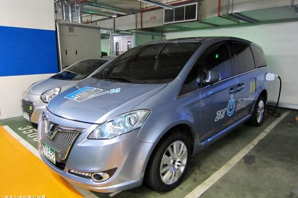 環保新趨勢~公民記者電動車遊樂趣!Luxgen7 MPV EV+試乘(上)~我是環保小小兔!