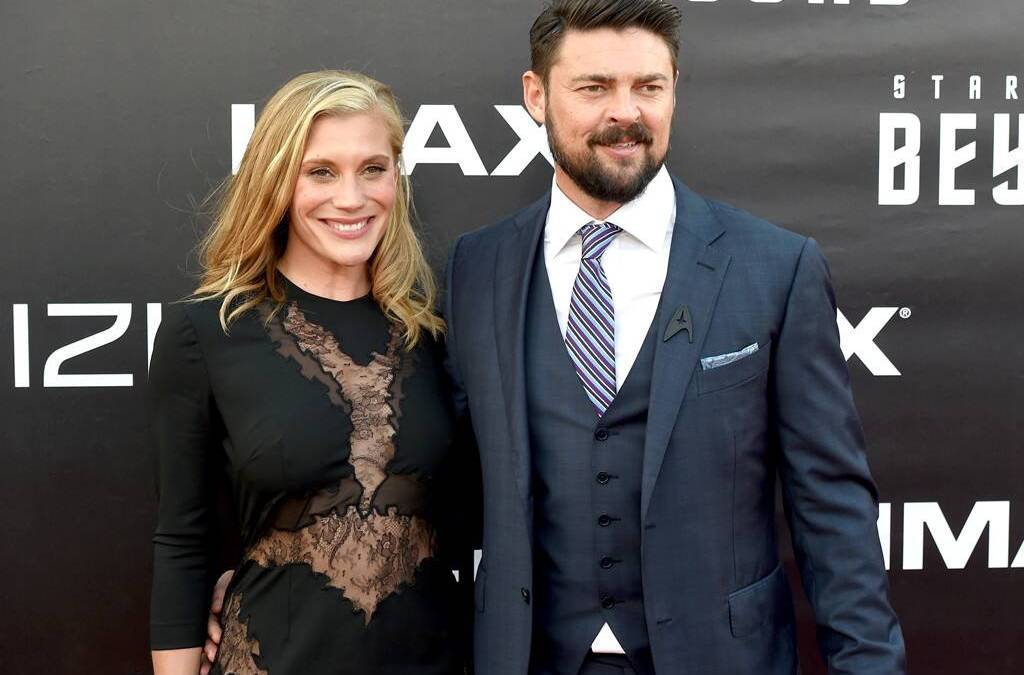 Katie Sackhoff and Karl Urban by Kevin Winter @ Comic-Con 2016