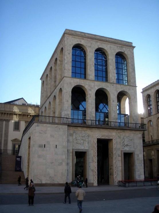 Museo del Novecento. Zona Duomo, Milán