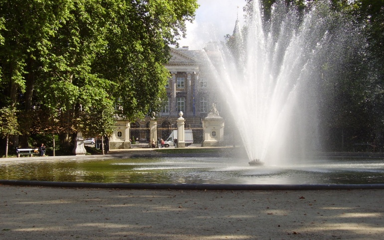 """Résultat de recherche d'images pour """"fontaines de ville"""""""