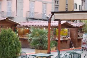 Mercatino in Piazza Cavour, Como