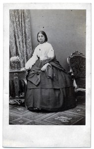 filename_0victoriagowramma-white-blouse-courtesy-mrs-anne-phillipsfilename_1