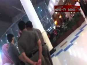 Religious Police Cop Blocked by Rebellious Saudi Woman