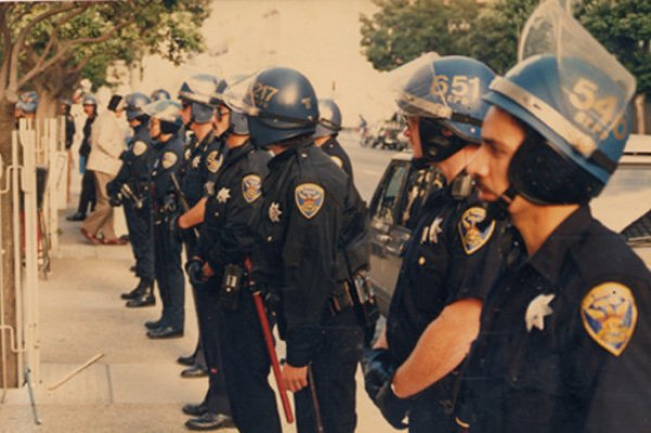castro-sweep-police-riot-gerardkoskovich-sanfrancisco-copblock-3