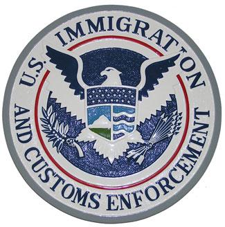 US-ICE-CopBlock