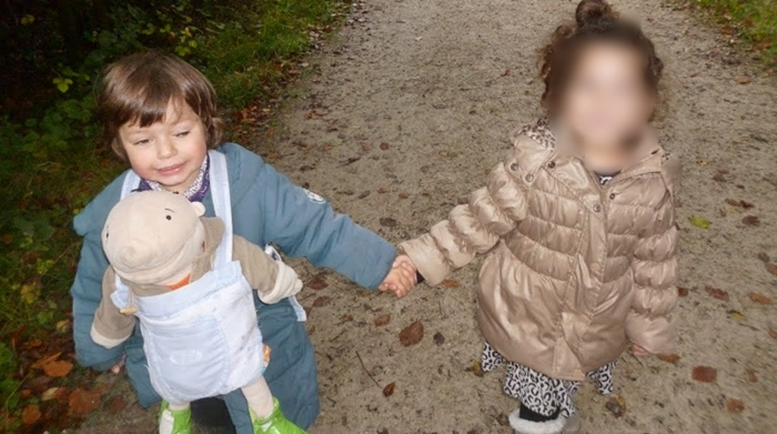 Tema acestei săptămani la gradinita a fost culorile toamnei: galben, roșu, portocaliu și maro -Elena 2.5 ani