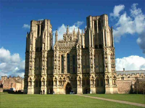 Wells Cathedral, England By Mattana (Own work) [Public domain], via Wikimedia Commons