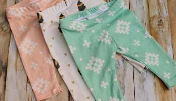 04948b807d2c1 DIY Free Baby Leggings Pattern - Sewing DIY Christmas Baby Gifts!