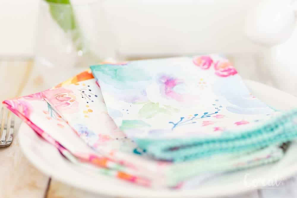 Tutorial: Pom pom dinner napkins