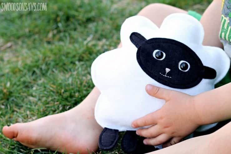 easter-lamb-softie-sewing-pattern