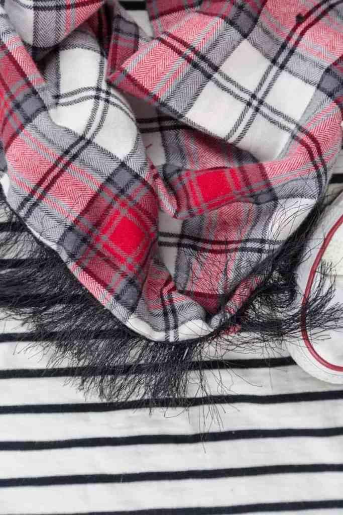 flannel-infinity-scarf-diy