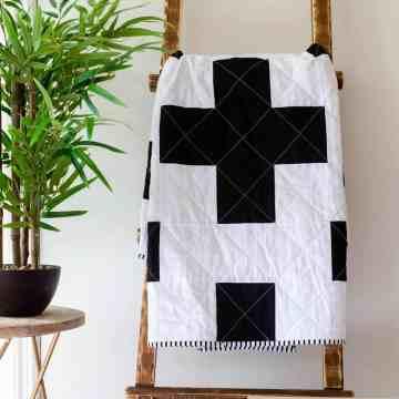 modern-black-and-white-quilt