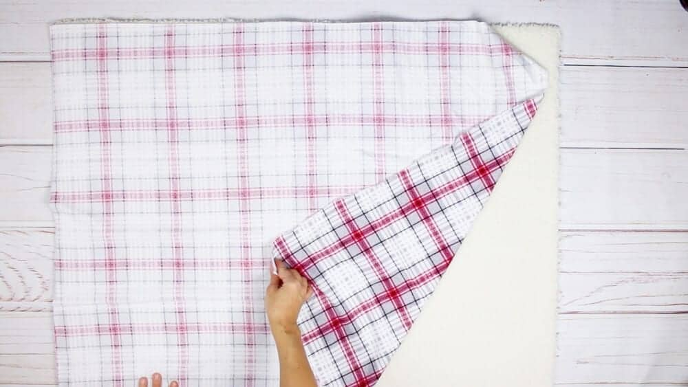 lay-flannel-fabric-right-side-down
