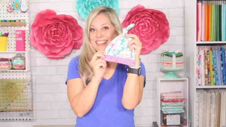 top-knot-baby-hat-pattern-video