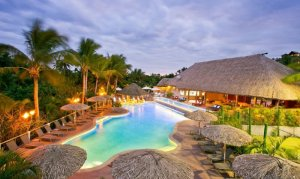 Vahavu-adults-only-pool-and-bistro
