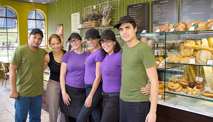 La-Provence-employees3