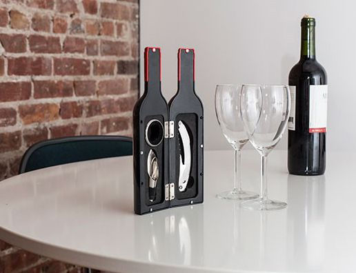 Barnes & Noble Wine Bottle Accessory Kit