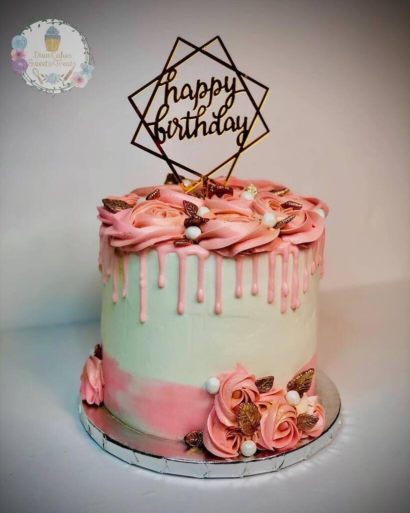 Dede Diva Cakes Drip Icing Miami, Florida amazing special occasion birthday cake