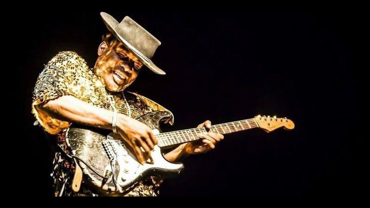 Carvin Jones – Ultimate Guitar Experience of the Year – On Tour Now!