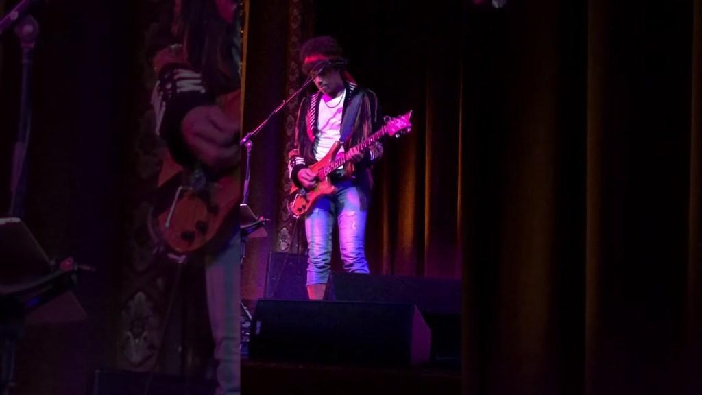 Stanley Jordan Plays Jimi Hendrix – Kenwood Denard killing it on drums and keys!
