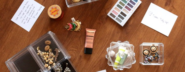 clear-acrylic-cases-for-storing-makeup