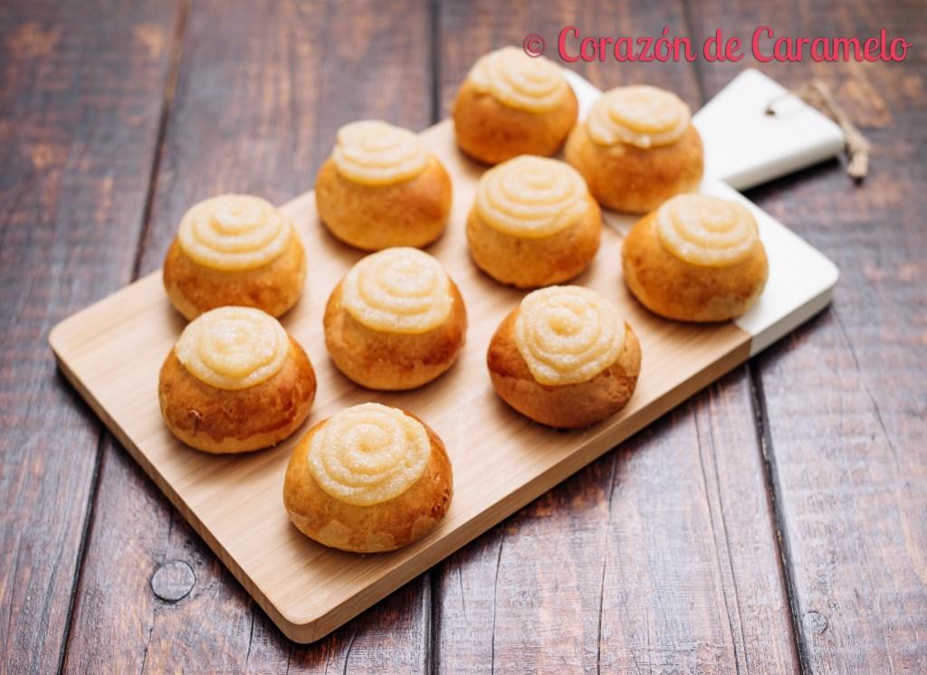 Pancitos de leche con crema pastelera de panadería